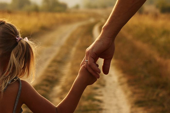 Who can make Family Law applications concerning children?